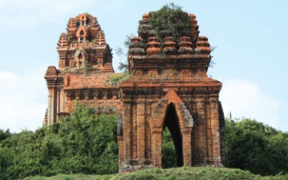 Charles Higham on… Cham temples and warships