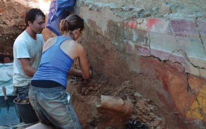 French Pompeii frescos