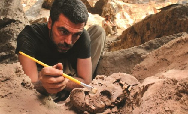 Lapa do Santo: Decapitation and ritual in 'the Saint's rock shelter'