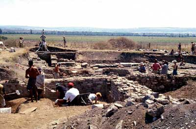 Dichin, Bulgaria: Roman Fort Excavated